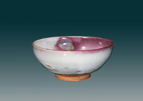 元代钧窑天青釉紫红斑碗