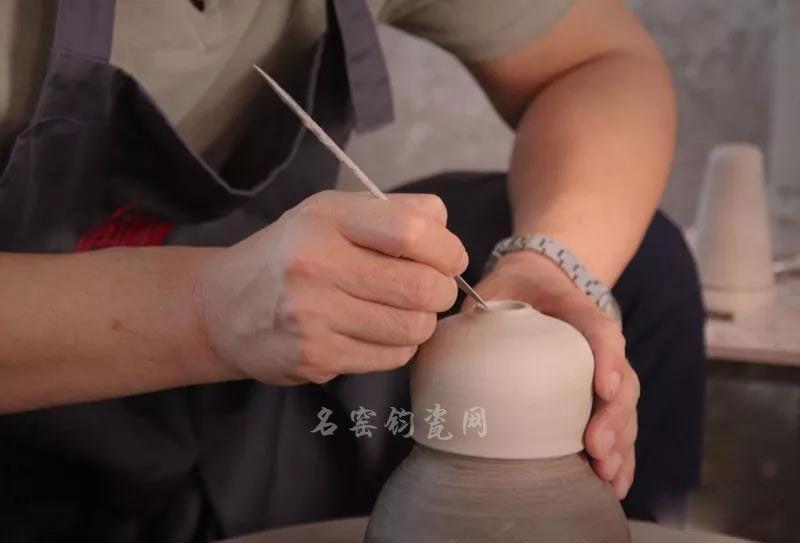 钧瓷大师李海峰制作茶杯