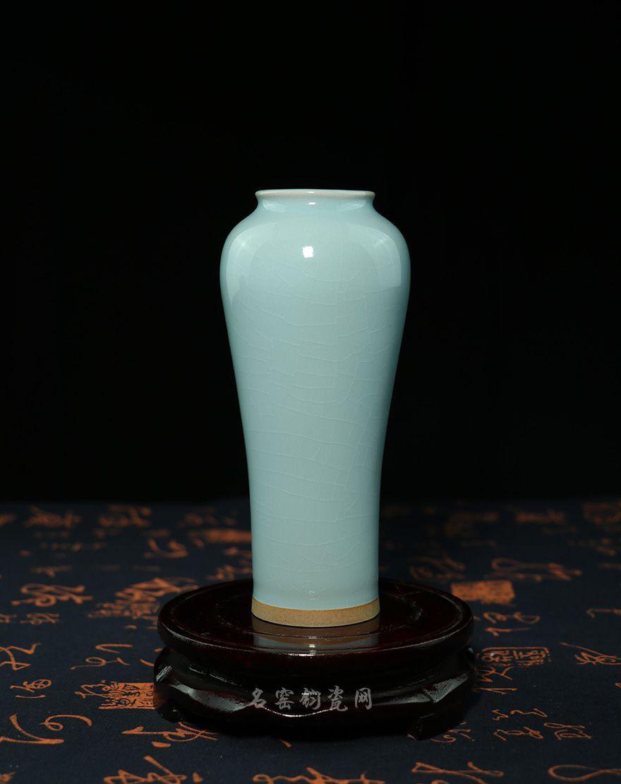 钧瓷象腿瓶,天青色釉,清新雅致,秀丽端庄