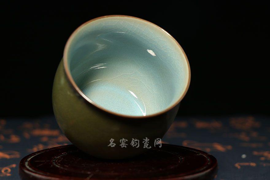 单杯内部为天青色,清新雅致