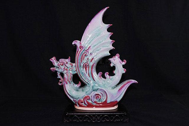 第二届中国陶瓷设计艺术大赛获奖作品《龙凤呈祥》