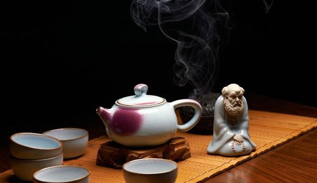 品味钧瓷茶具,感受传统茶文化