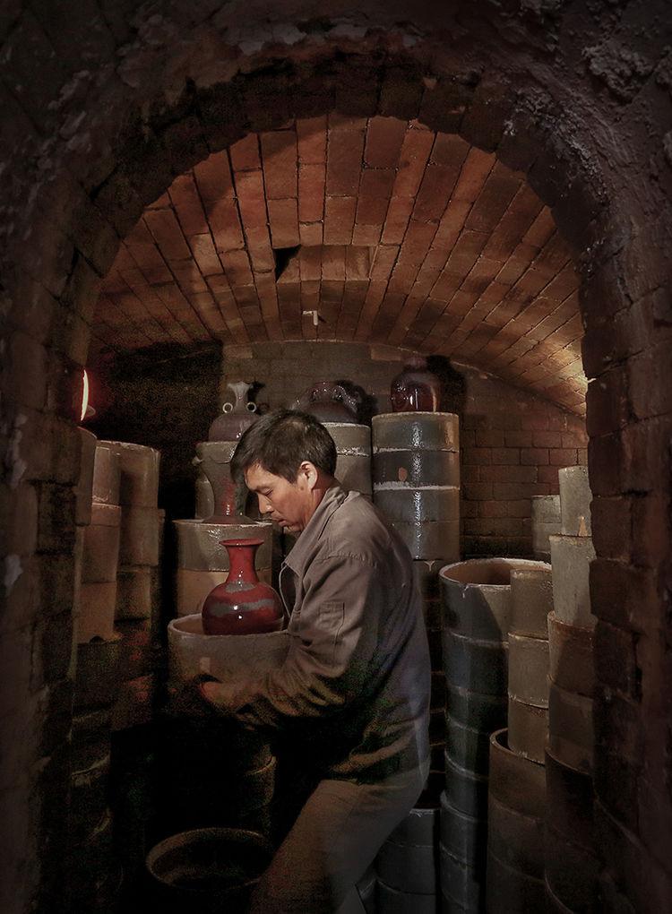 窑工正在开窑_神垕镇隐藏在钧瓷大师身后的普通工匠