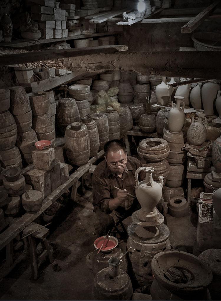 钧瓷施釉_神垕镇隐藏在钧瓷大师身后的普通工匠