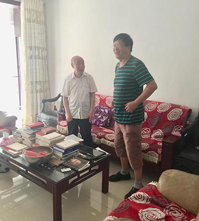 中央广播电视总台编导侯新天与苗锡锦畅谈钧瓷发展