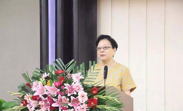 中国古陶瓷学会会长,故宫博物院研究馆员王莉英女士致辞