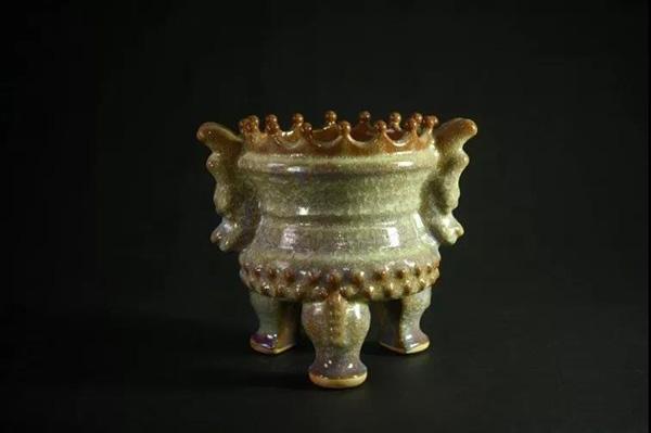 东方红鼎(皇冠鼎)金质冰片釉