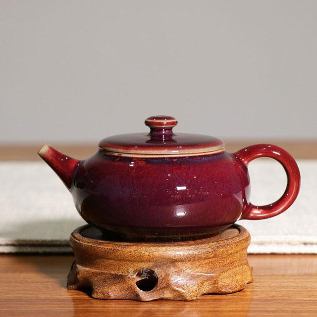 茗钧堂红釉作品:《扁腹壶》