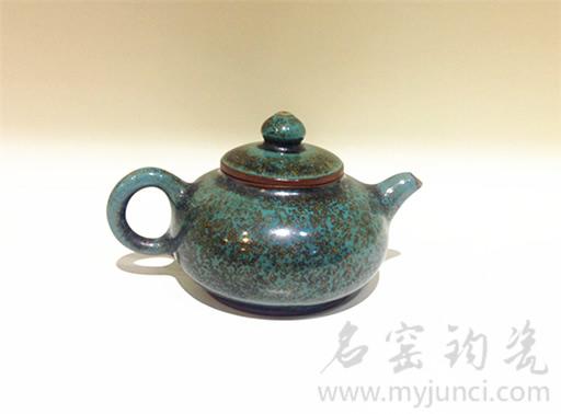 炉钧茶壶图