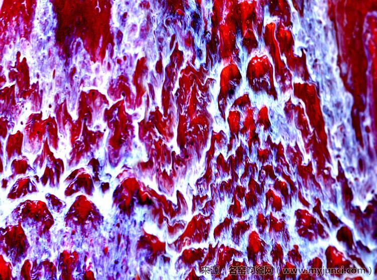 钧瓷窑变图片:似丛山峻岭之中万紫千红