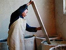 钧瓷釉的主要原料有哪些?