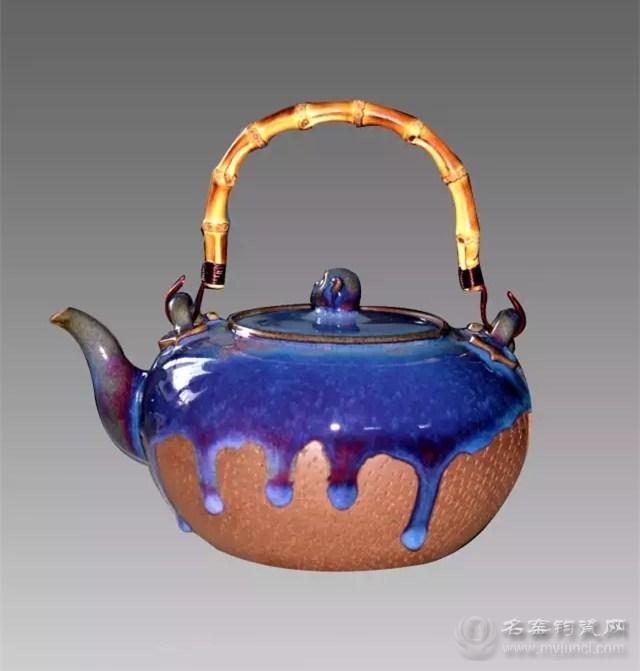 李向阳研发的钧瓷煮茶壶