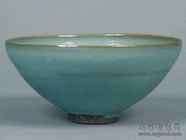 北宋钧窑天青釉碗(1925年鄢陵县出土)