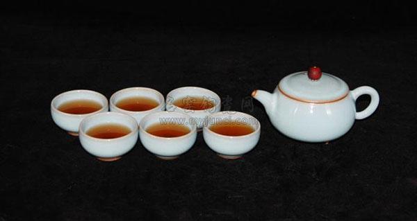 李海峰代表钧瓷作品《福泽门》茶具
